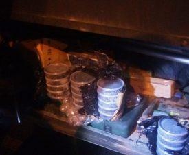 Иркутские полицейские нашли у дальнобойщиков 76 кг черной икры