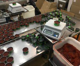 Почти 9 тонн отбросов под видом красной икры чуть не попало на столы москвичей